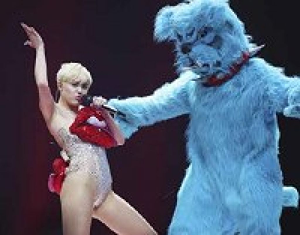 Miley cyrus dělá porno